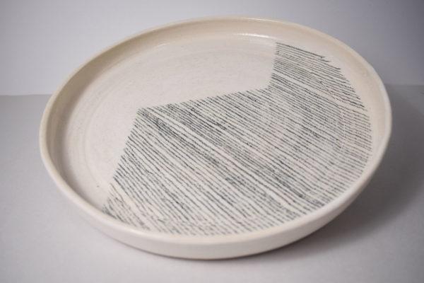 Decorated ceramic plate