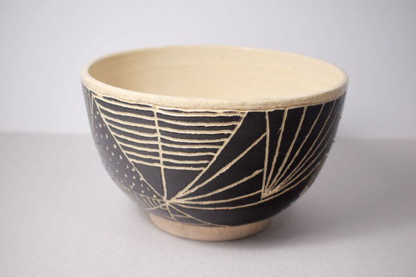 Ceramic bowl with sgraffito decoration