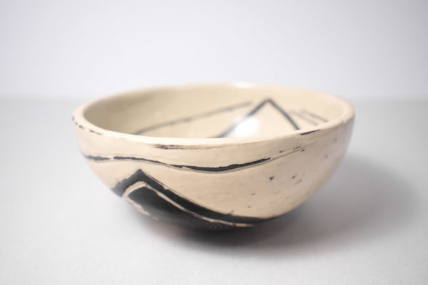 Decorated ceramic bowl